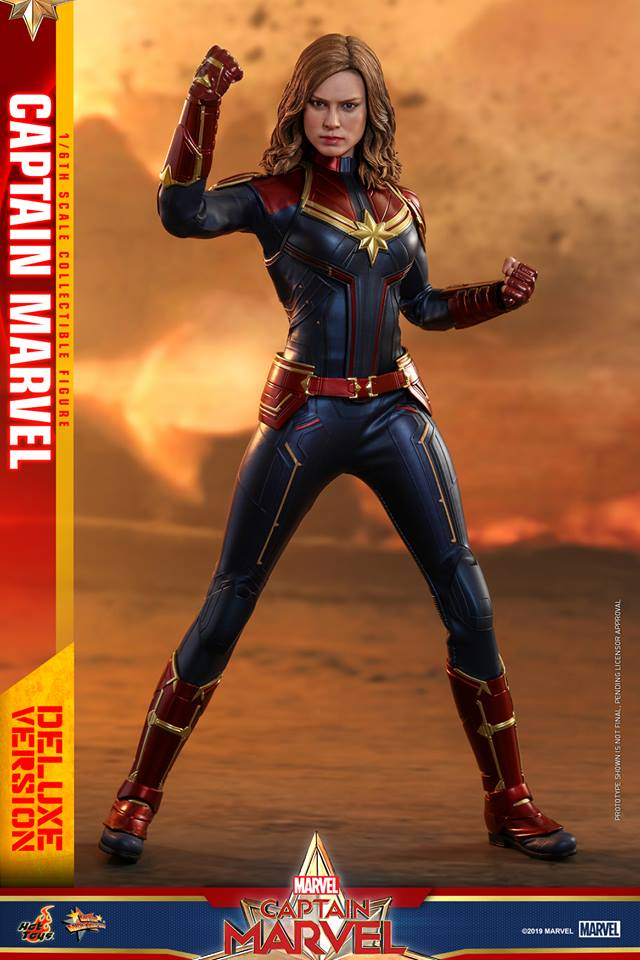 Hot Toys Goose the Cat even comes with a Captain Marvel accessory 28