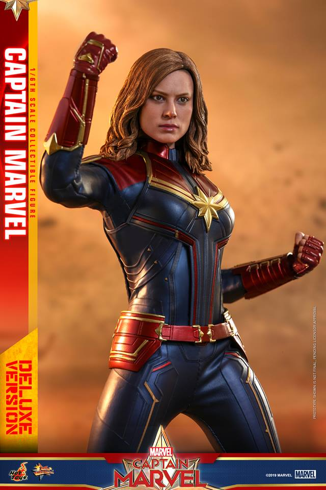 Hot Toys Goose the Cat even comes with a Captain Marvel accessory 30