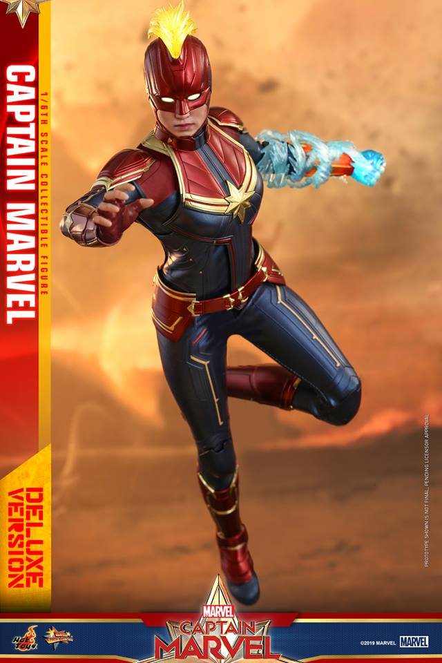 Hot Toys Goose the Cat even comes with a Captain Marvel accessory 26