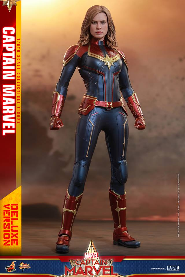 Hot Toys Goose the Cat even comes with a Captain Marvel accessory 27