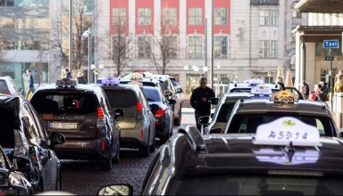 Norway to install the world's first electric car wireless charging stations 27