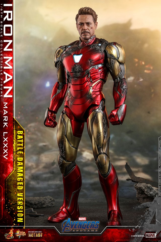 Relive (and cry about!) the best scene in Avengers: Endgame with this new Hot Toys Iron Man figure 25