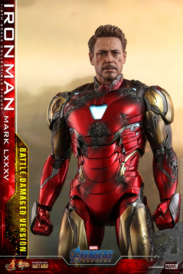 Relive (and cry about!) the best scene in Avengers: Endgame with this new Hot Toys Iron Man figure 26