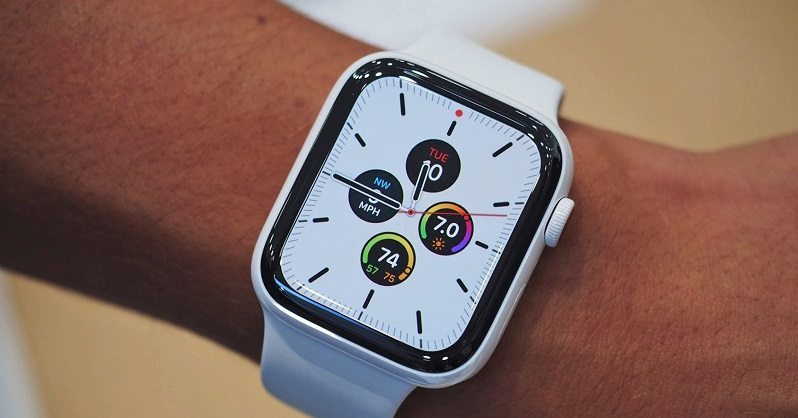The Apple Watch 5 to feature an always-on display 4