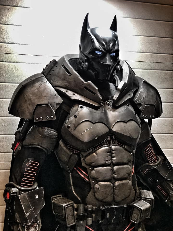 Behold a Batman cosplay so good, it's XE-cellent 10