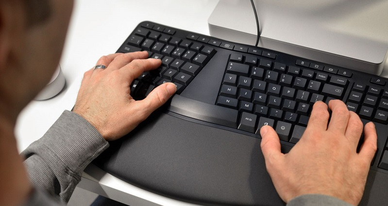 Microsoft adds dedicated emoji and Office keys to new keyboard range 3