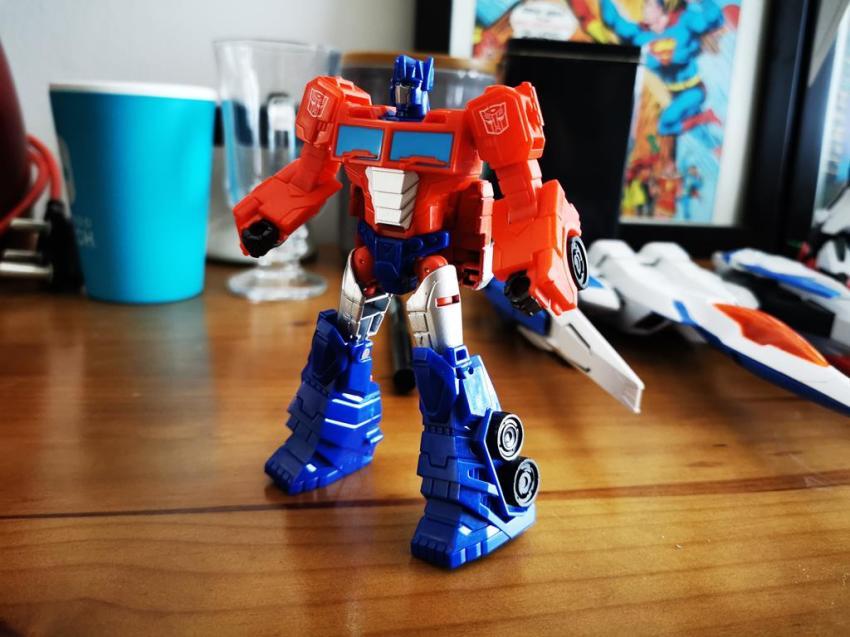 Transformers Cyberverse Spark Armour Optimus Prime Review 18