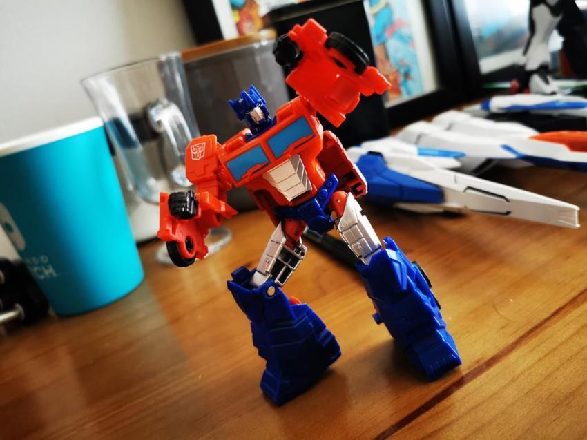 Transformers Cyberverse Spark Armour Optimus Prime Review 21
