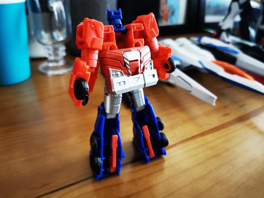 Transformers Cyberverse Spark Armour Optimus Prime Review 22