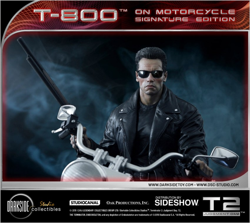 I need your clothes, your boots and your motorcycle after buying this Terminator 2 statue 32