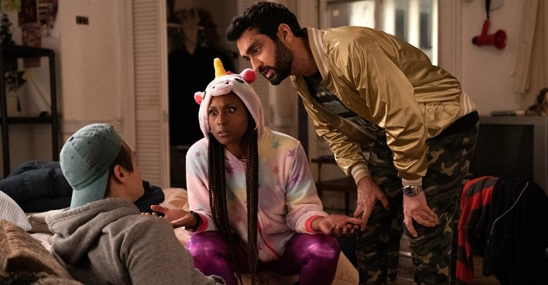 Kumail Nanjiani & Issa Rae are out to clear their names in this trailer for Lovebirds 3