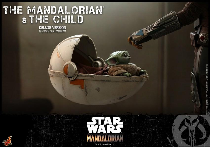 Hot Toys The Mandalorian has shiny armour, more firepower and Baby Yoda 34