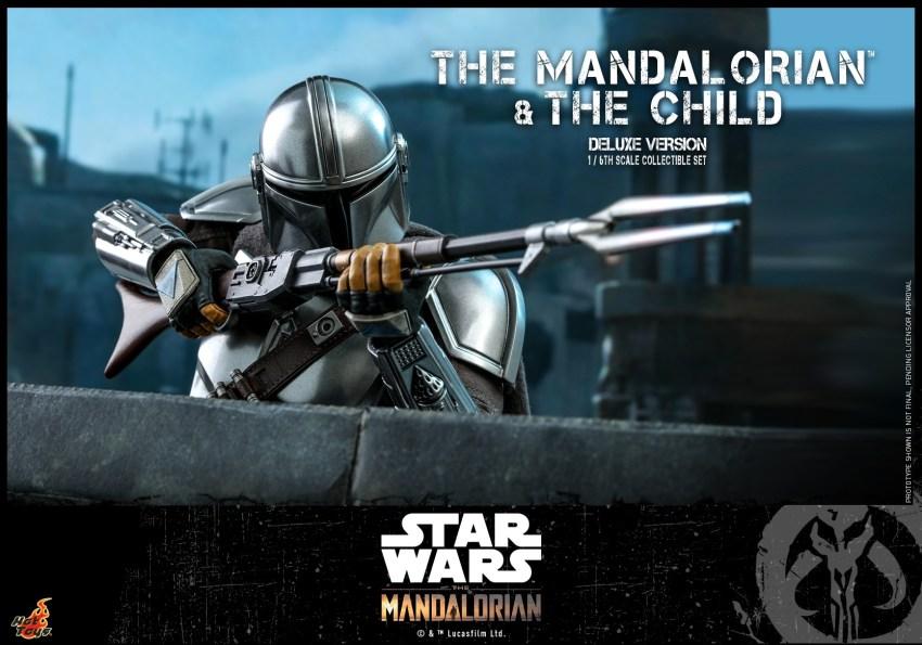 Hot Toys The Mandalorian has shiny armour, more firepower and Baby Yoda 35