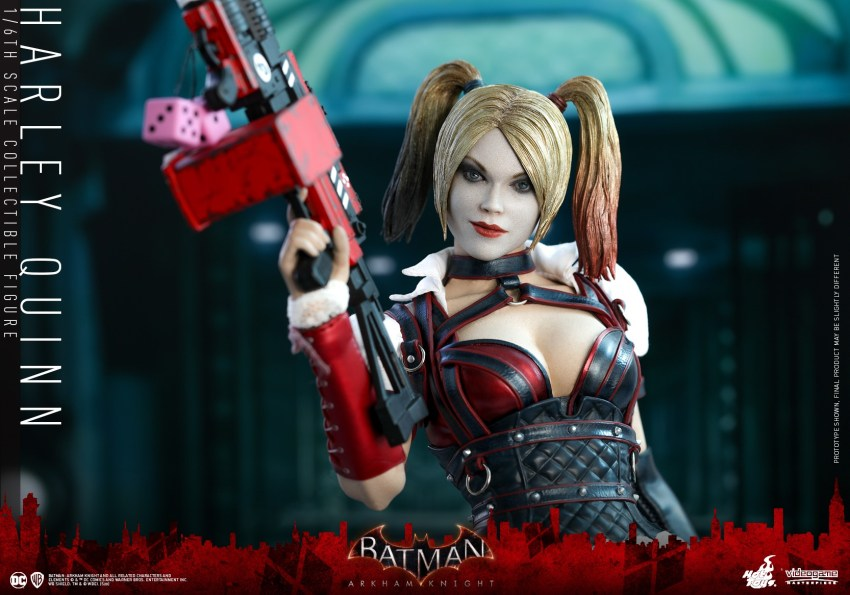 Hot Toys Harley Quinn is ready to paint the town red 32