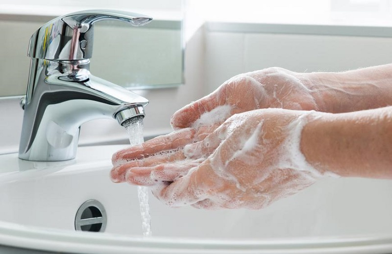 Google's WearOS steps up the fight against the Coronavirus by reminding people to wash their filthy hands 2