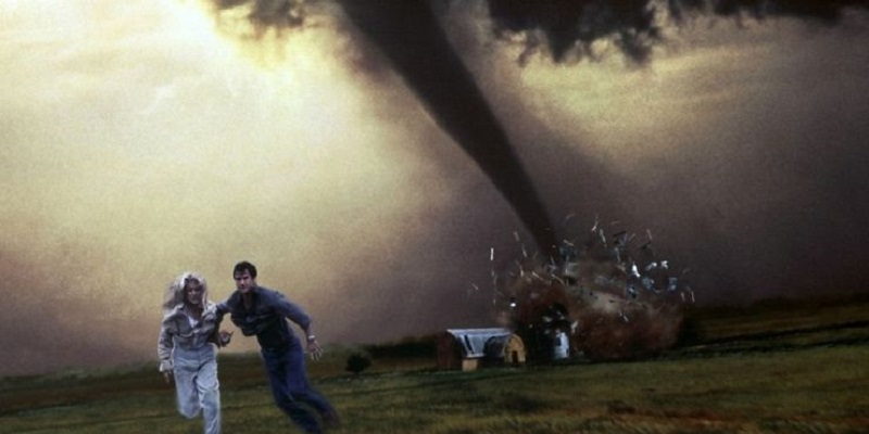 A Twister remake is in the works from Top Gun: Maverick director 3