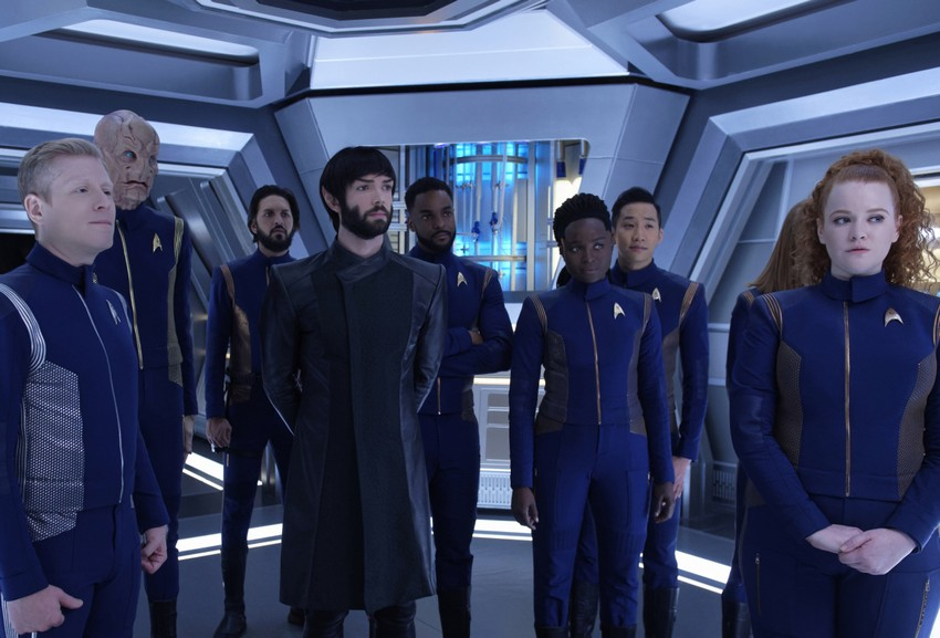 Noah Hawley's Star Trek movie will use new characters, but link with existing canon 6