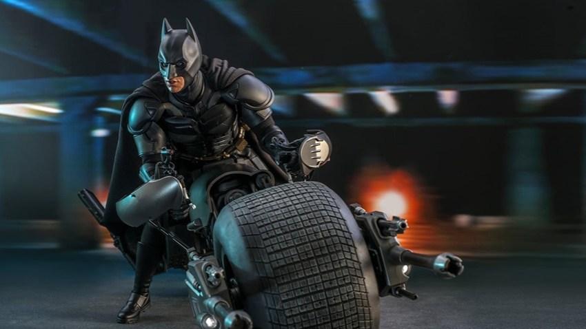 Hot Toys TDK Batman (14) 1