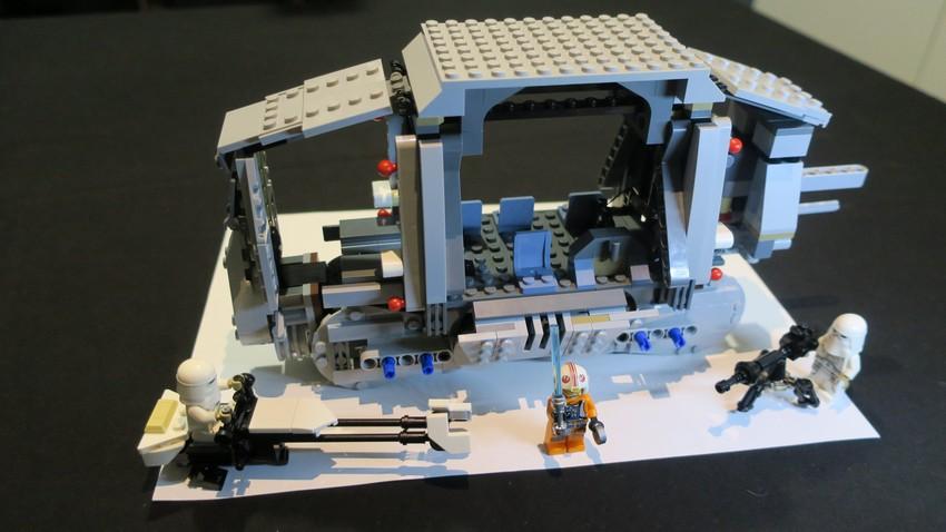 Lego Star Wars AT-AT Walker review - Hoth damn! 20