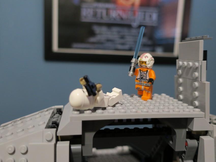 Lego Star Wars AT-AT Walker review - Hoth damn! 23