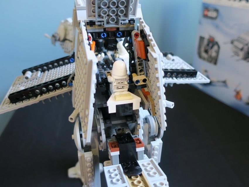 Lego Star Wars AT-AT Walker review - Hoth damn! 32