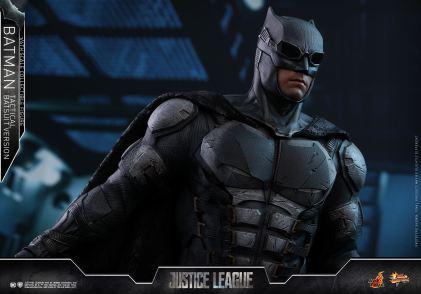 JL Tatctical Batman (2)