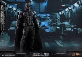 JL Tatctical Batman (25)