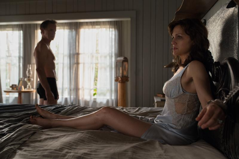 Watch the trailer for Gerald's Game, Netflix's new Stephen King adaptation 2