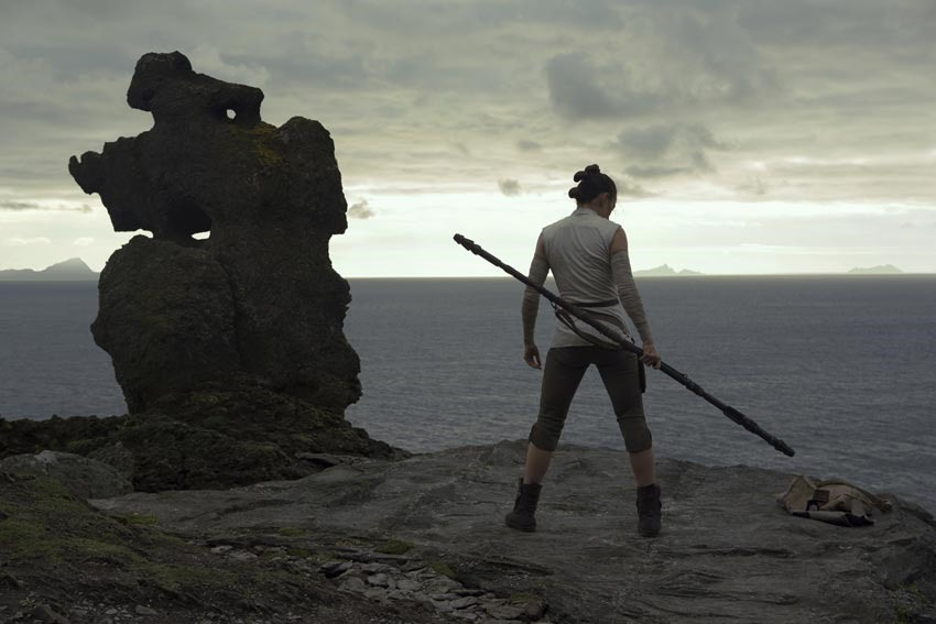 "First reactions to Star Wars: The Last Jedi praise it as a ""mind-blowing,"" ""grand slam home run"" 2"