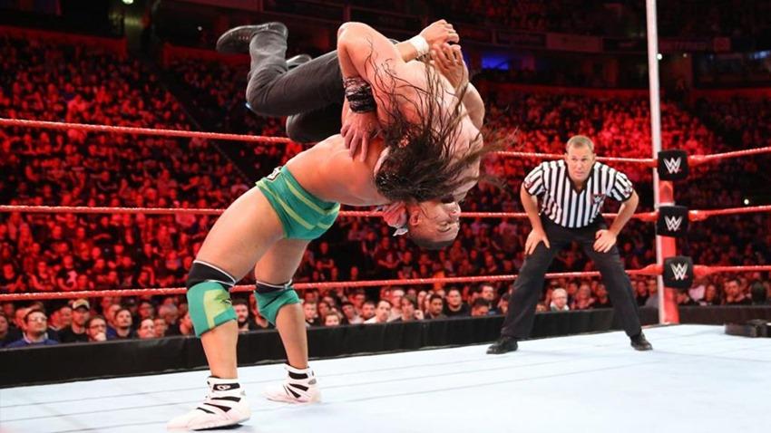 RAW November 06 (7)