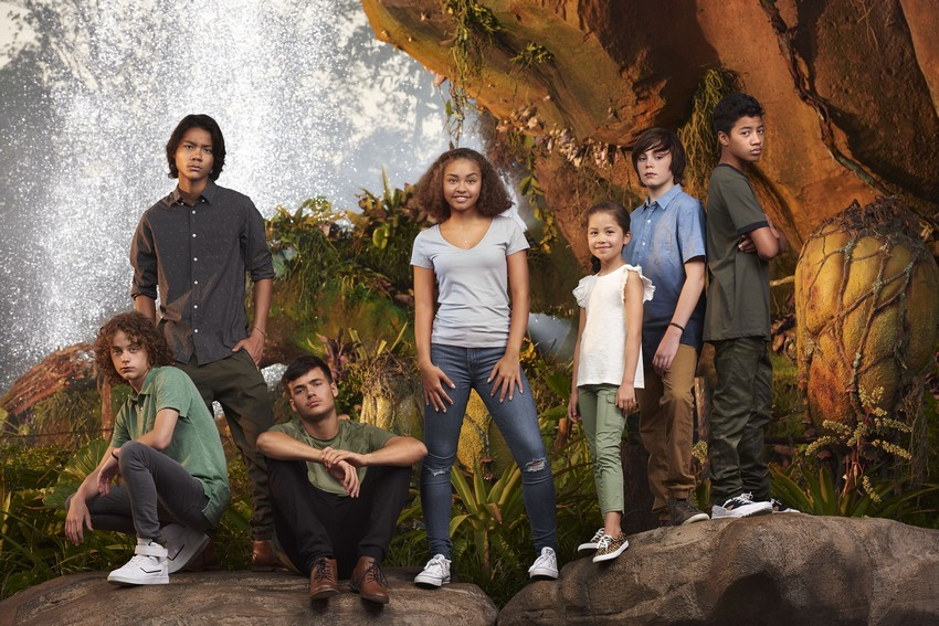 """L-R: Britain Dalton (Lo'ak of the Sully Family), Filip Geljo (Aonung of the Metkayina Clan), Jamie Flatters (Neteyam of the Sully Family), Bailey Bass (Tsireya of the Metkayina Clan), Trinity Bliss (Tuktirey of the Sully Family), Jack Champion (Javier """"Spider"""" Socorro), and Duane Evans Jr (Rotxo of the Metkayina Clan)"""