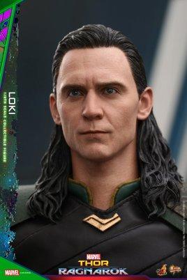 Hot Toys Loki (7)