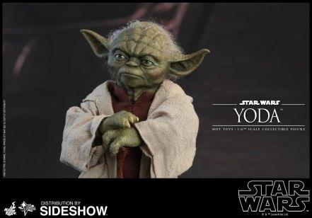 Yoda Hot Toys (2)