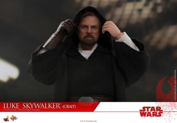 Hot Toys Luke Skywalker Crait (3)