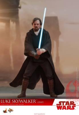 Hot Toys Luke Skywalker Crait (5)