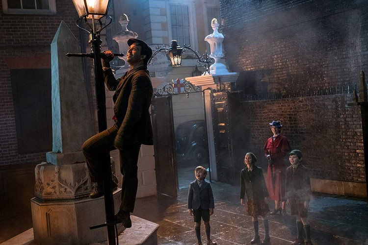 Mary Poppins Returns review - A movie musical as retro as it gets 7