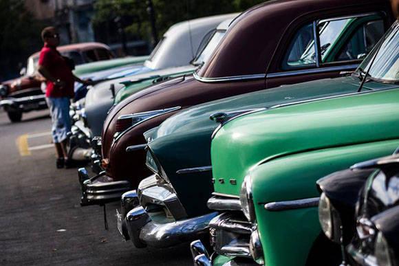 Hasta 2015 se han aprobadocasi cinco mil licencias para taxistas por cuenta propia. Foto. Fernando Medina/Cubahora.