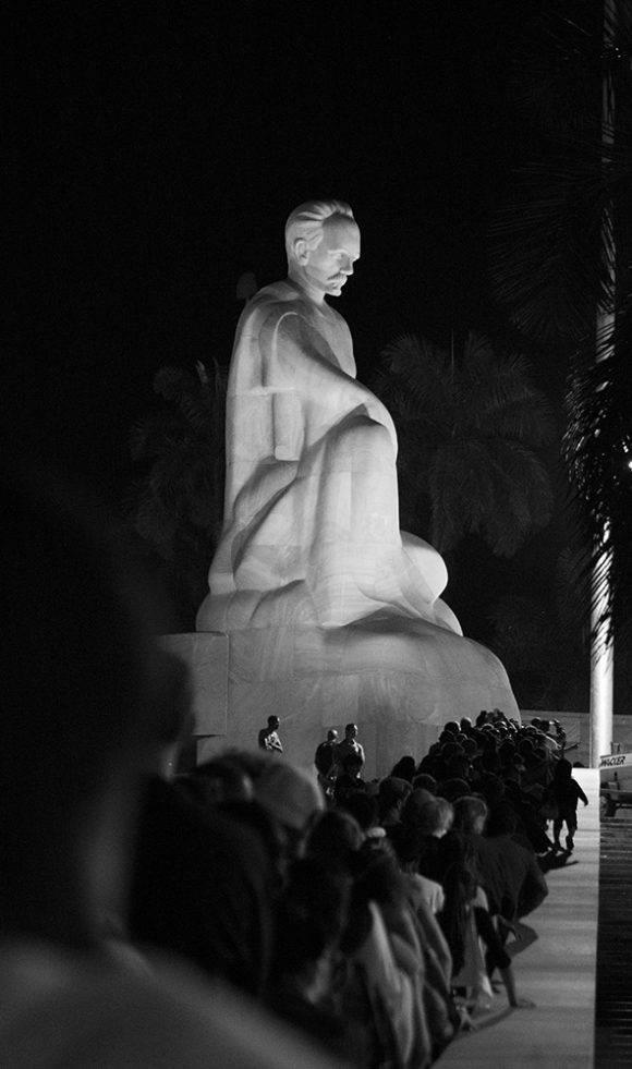 plaza-homenaje-fidel-29noviembre2016-marti