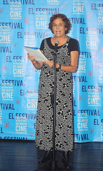 Magda González presenta el premio