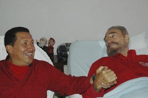 Hugo Chávez visita a Fidel Castro en La Habana el 13 de agosto de 2006, durante su convalecencia tras una operación. Foto: Granma.
