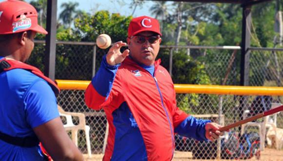 Roger Machado en un entrenamiento con el equipo Cuba. Foto: Ricardo López Hevia.