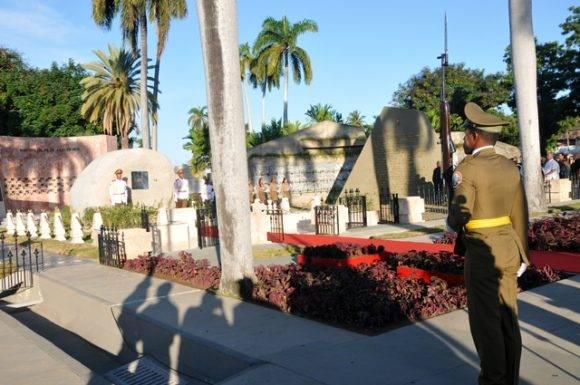 Honras fúnebres del Comandante en Jefe de la Revolución Cubana Fidel Castro Ruz, en el Cementerio Santa Ifigenia. Foto: Periódico Sierra Maestra