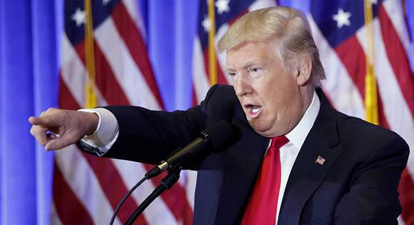 Donald Trump durante su única conferencia como presidente electo de los Estados Unidos. Foto: Justin Lane/ EFE.