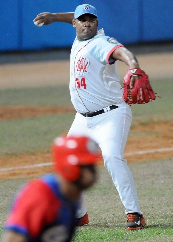 Beisbol-Serie-56-Final-CA vs GRM primer juego Vladimir Garcia. Foto: Ricardo López Hevia / Granma / Cubadebate