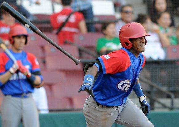 Beisbol-Serie del Caribe-Culiacan primer juego Cuba vs RD Roel Santos anotó la primera. Foto: Ricardo López Hevia / Granma / Cubadebate