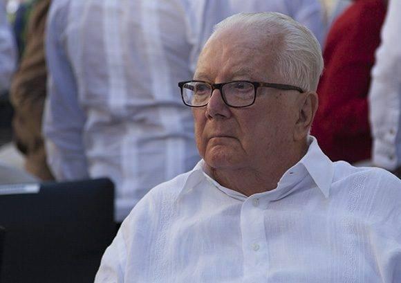 Armando Hart durante la última Feria del Libro, la cual fue dedicada a su obra. Foto: Irene Pérez/ Cubadebate.