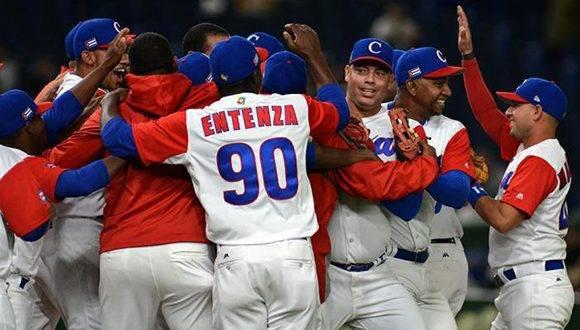 Cuba avanza a la segunda fase del Clásico Mundial con dos victorias y una derrota. Foto: Ricardo López Hevia/ Granma.