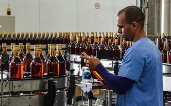 Resultado de imagen para tecnologia utilizada en fabricas de licores