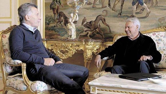 Mauricio Macri y Felipe González se reunieron durante la reciente visita del Presidente argentino a España. Foto: Página 12.