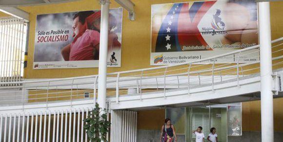 Hospital infantil atacado por bandas armadas contratadas por la oposición. Foto: Pedro Mattey/ AVN.